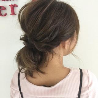 ルーズ ヘアアレンジ お団子 セミロング ヘアスタイルや髪型の写真・画像 ヘアスタイルや髪型の写真・画像