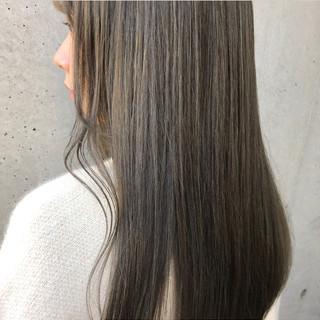 インナーカラー ミディアム ブリーチオンカラー ハイトーン ヘアスタイルや髪型の写真・画像
