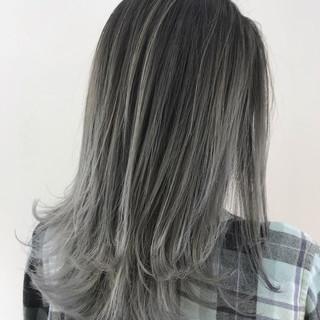 ホワイトブリーチ 外国人風カラー ミディアム ホワイトカラー ヘアスタイルや髪型の写真・画像