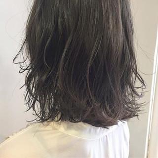 リラックス デート ナチュラル アンニュイ ヘアスタイルや髪型の写真・画像