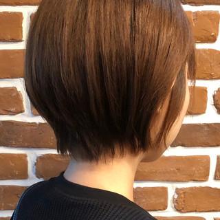 ショート ショートボブ 切りっぱなしボブ ナチュラル ヘアスタイルや髪型の写真・画像
