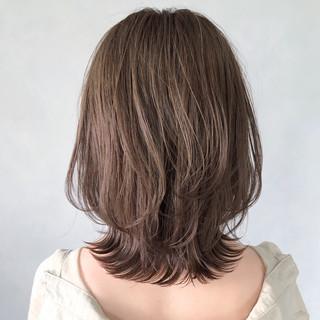 大人ミディアム インナーカラー デジタルパーマ ミディアム ヘアスタイルや髪型の写真・画像