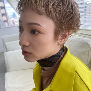 ナチュラル ブリーチカラー ハイトーン ブリーチ ヘアスタイルや髪型の写真・画像