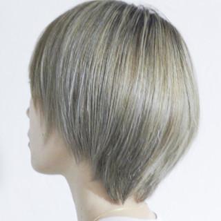 ナチュラル ハイライト グレージュ コントラストハイライト ヘアスタイルや髪型の写真・画像