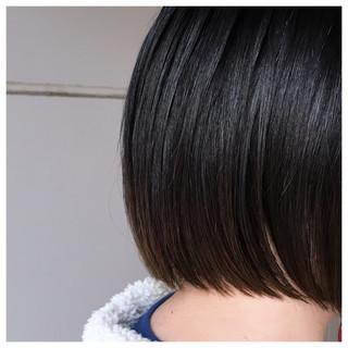 ミニボブ 切りっぱなしボブ バレイヤージュ ナチュラル ヘアスタイルや髪型の写真・画像