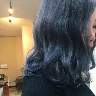 ブルー ブルージュ ガーリー 波ウェーブ ヘアスタイルや髪型の写真・画像 ヘアスタイルや髪型の写真・画像