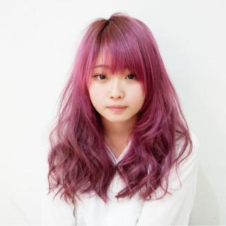 外ハネ ピンク ベージュ セミロング ヘアスタイルや髪型の写真・画像