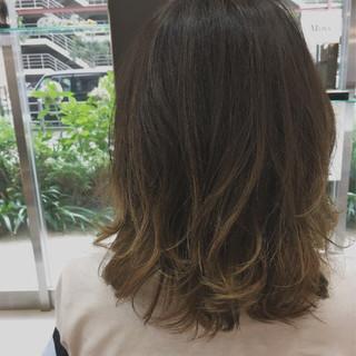 ナチュラル グラデーションカラー ダブルカラー アッシュベージュ ヘアスタイルや髪型の写真・画像