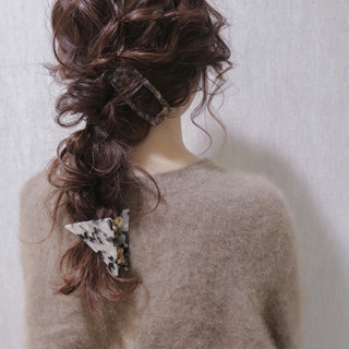 ロング 結婚式 アンニュイほつれヘア ナチュラル ヘアスタイルや髪型の写真・画像