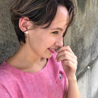 ショート フェミニン 透明感 秋 ヘアスタイルや髪型の写真・画像