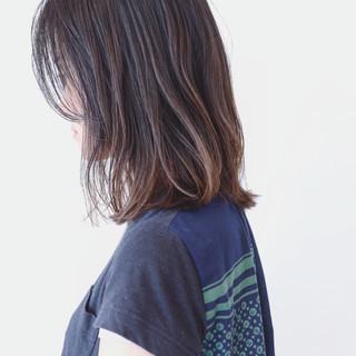 グラデーションカラー ナチュラル バレイヤージュ ミディアム ヘアスタイルや髪型の写真・画像 ヘアスタイルや髪型の写真・画像