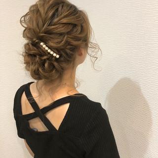 ヘアアレンジ 結婚式 ミディアム アップスタイル ヘアスタイルや髪型の写真・画像 ヘアスタイルや髪型の写真・画像