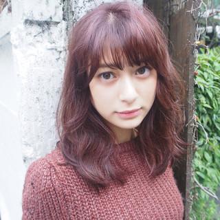 外国人風 ブラウン ミディアム パーマ ヘアスタイルや髪型の写真・画像