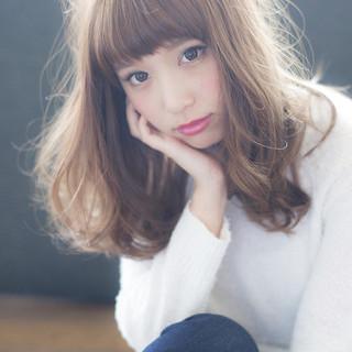 セミロング グラデーションカラー 前髪あり 外国人風 ヘアスタイルや髪型の写真・画像