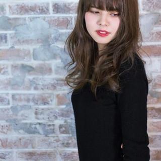 大人かわいい ハイライト アッシュ フェミニン ヘアスタイルや髪型の写真・画像