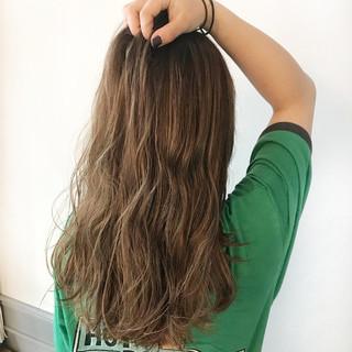 ハイライト ミルクティーベージュ 外国人風カラー ロング ヘアスタイルや髪型の写真・画像