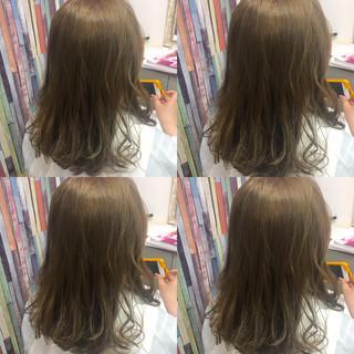 外国人風 ベージュ ガーリー ダブルカラー ヘアスタイルや髪型の写真・画像