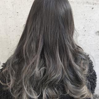 アンニュイ グラデーションカラー ナチュラル ストレート ヘアスタイルや髪型の写真・画像