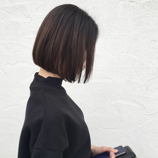 ミニボブ アッシュ ボブ ストレート ヘアスタイルや髪型の写真・画像