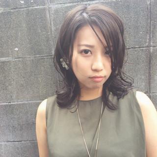 大人かわいい 外国人風 ナチュラル 暗髪 ヘアスタイルや髪型の写真・画像