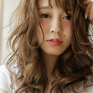 外国人風 ゆるふわ レイヤーカット セミロング ヘアスタイルや髪型の写真・画像