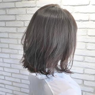 デジタルパーマ ミディアム コンサバ ひし形シルエット ヘアスタイルや髪型の写真・画像