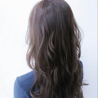 ゆるふわ 外国人風 暗髪 アッシュ ヘアスタイルや髪型の写真・画像