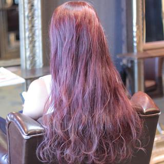 ロング ストリート ゆるふわ ピンク ヘアスタイルや髪型の写真・画像