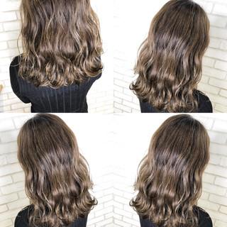 ベージュ ナチュラル ハイライト ロング ヘアスタイルや髪型の写真・画像 ヘアスタイルや髪型の写真・画像