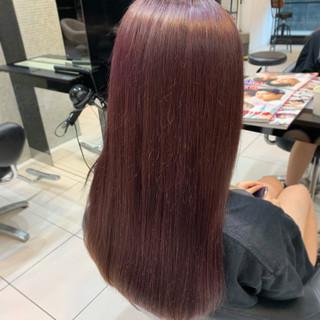 うる艶カラー 外国人風フェミニン ロング ラズベリーピンク ヘアスタイルや髪型の写真・画像