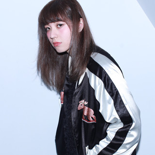 外国人風 ミディアム アッシュ ダブルカラー ヘアスタイルや髪型の写真・画像