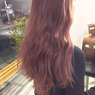 ボルドー ピンク カッパー ロング ヘアスタイルや髪型の写真・画像