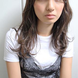大人かわいい ナチュラル ウェーブ 抜け感 ヘアスタイルや髪型の写真・画像