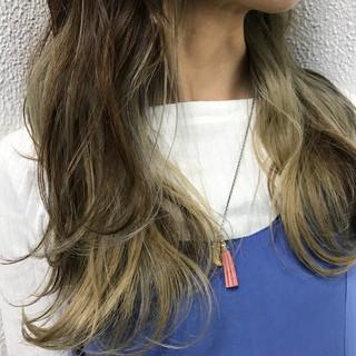 ストリート 外国人風 インナーカラー ハイライト ヘアスタイルや髪型の写真・画像 ヘアスタイルや髪型の写真・画像