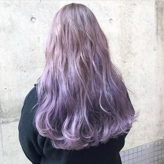グラデーションカラー 外国人風カラー ロング ラベンダーアッシュ ヘアスタイルや髪型の写真・画像