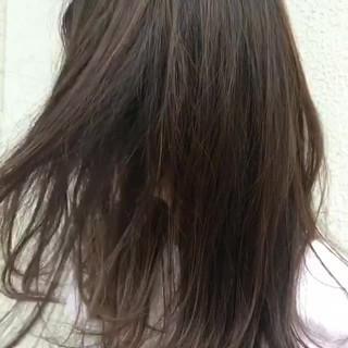 ハイライト リゾート くせ毛風 ミディアム ヘアスタイルや髪型の写真・画像