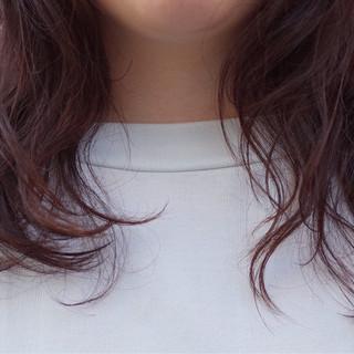 パーマ ミディアム 暗髪 ゆるふわ ヘアスタイルや髪型の写真・画像