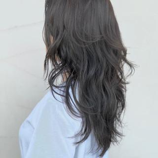 アウトドア パーマ オフィス アッシュ ヘアスタイルや髪型の写真・画像