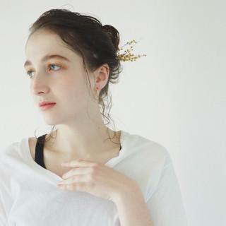 簡単ヘアアレンジ ミディアム ナチュラル こなれ感 ヘアスタイルや髪型の写真・画像