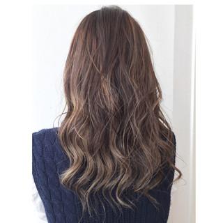 外国人風 フェミニン 大人かわいい ストリート ヘアスタイルや髪型の写真・画像