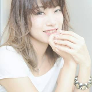 渋谷系 モテ髪 グラデーションカラー ミディアム ヘアスタイルや髪型の写真・画像