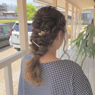 編みおろし ロング ハイライト お呼ばれヘア ヘアスタイルや髪型の写真・画像