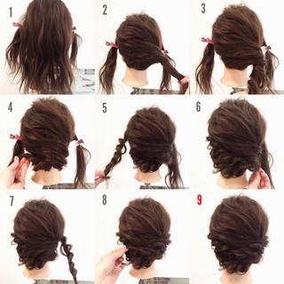 ツイスト 大人かわいい ゆるふわ ミディアム ヘアスタイルや髪型の写真・画像 ヘアスタイルや髪型の写真・画像