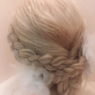 ナチュラル セミロング 簡単ヘアアレンジ 結婚式ヘアアレンジ ヘアスタイルや髪型の写真・画像