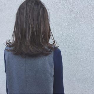 ボブ ミディアム 切りっぱなし ナチュラル ヘアスタイルや髪型の写真・画像 ヘアスタイルや髪型の写真・画像