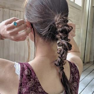 ネジネジポニー ナチュラル 簡単ヘアアレンジ ポニーテール ヘアスタイルや髪型の写真・画像