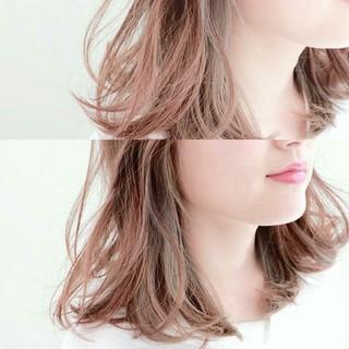 ミディアム インナーカラー アッシュ グラデーションカラー ヘアスタイルや髪型の写真・画像