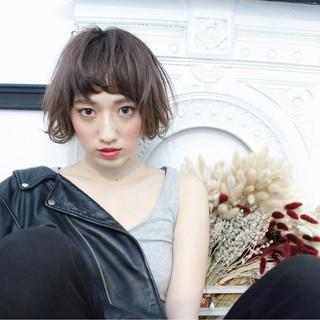 パーマ 色気 ニュアンス ミルクティー ヘアスタイルや髪型の写真・画像