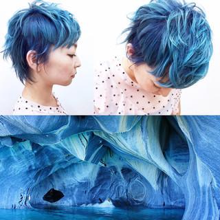 ハイトーン ブルー 個性的 ショート ヘアスタイルや髪型の写真・画像 ヘアスタイルや髪型の写真・画像