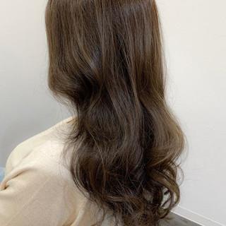 ウルフカット ナチュラル 360度どこからみても綺麗なロングヘア ラベンダーアッシュ ヘアスタイルや髪型の写真・画像